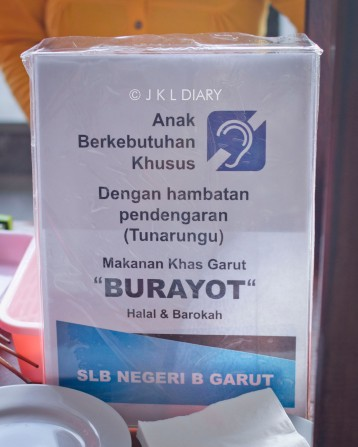 Sign di stand burayot