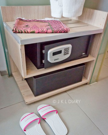 Safe deposit, slipper, & sajadah