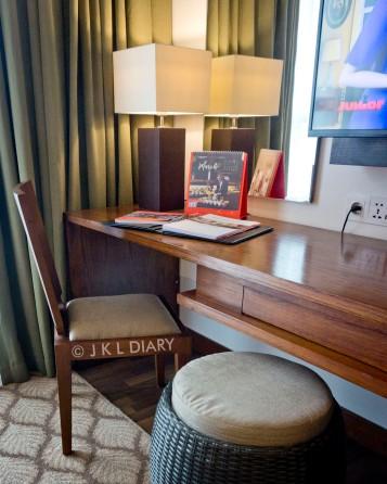Working desk & kursinya