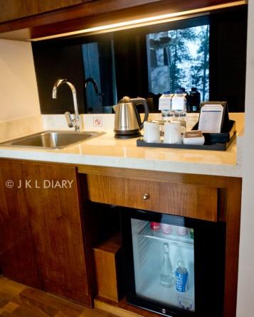 Wash basin & refrigerator