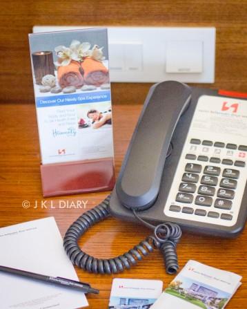 Telepon & room key card