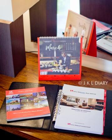 Kalender meja & directory of service