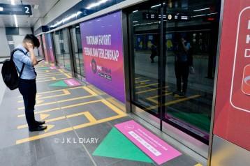 Jalur kereta khusus wanita