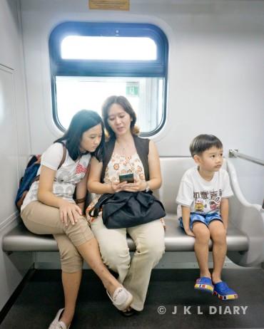 Space kursi prioritas di LRT Jakarta