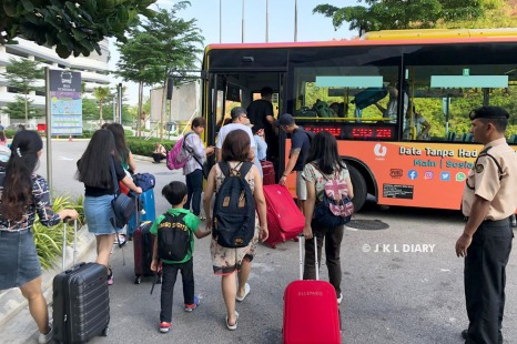 Cross Border Bus Johor Bahru - Singapura